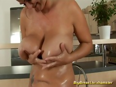 mamma with bizarre large naturals