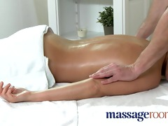 massage rooms hawt mother i enjoys large oily
