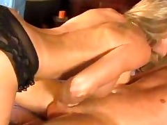 obscene milf brandi love crouches her way to her