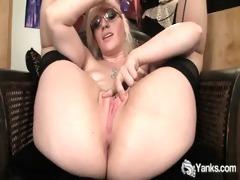 stockinged ruby vibrating her pink muff