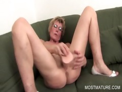 lusty d like to fuck dildoing longing wet crack