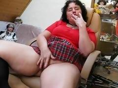 fat mature can masturbating