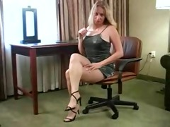 karinne is very hawt in her hose