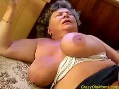 avid old mamma receives big knob