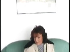 older gives public head & show vagina