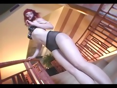 redhead toe engulfing and hose masturbation