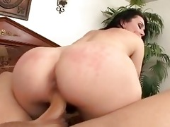 meat loving d like to fuck rayveness widens her