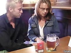 drunk mamma receives her cunt fucked