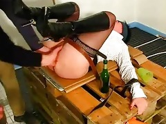 non-professional wife fisted by builders