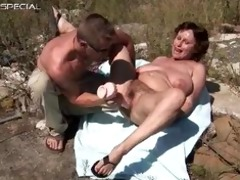 horny mother i acquires her unshaved muf drilled
