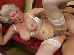 hey my grandma is a doxy and likes to fuck