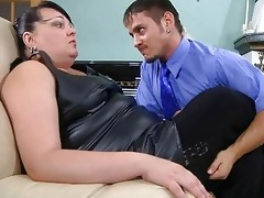 obese mature babe thoroughly inspecting a lads