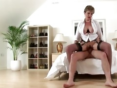 check busty older brit acquire a cumshot