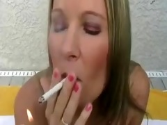 hawt blond gives a great smokin oral-stimulation