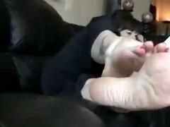 barefoot slutwife