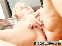 nasty mommy feeling hot playing part0