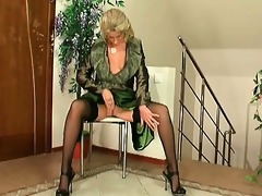 wicked sexy mother i blond floozy with great