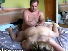 hubby fingers wifes fur pie and toying her wazoo