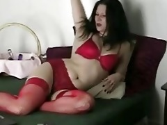 webcam d like to fuck plays with herself