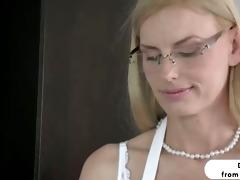 golden-haired stepmom darryl hanah irresistable