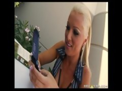 hawt breasty blonde mother i in nylons is on the