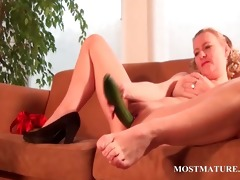 naughty mamma nails her wet crack with a cucumber