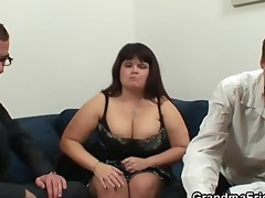 bulky lady is invited to photosession then double