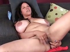 breasty d like to fuck shannon rubbing her